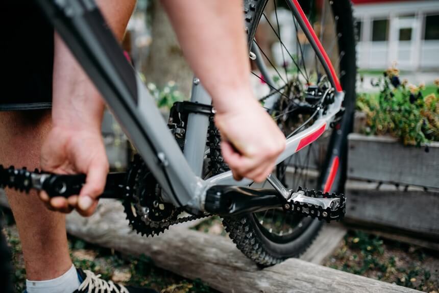 How to Remove Stuck Bike Pedals - Quick Guide