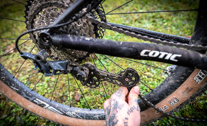 How to Tighten a Bike Chain: Step-by-Step Instructions
