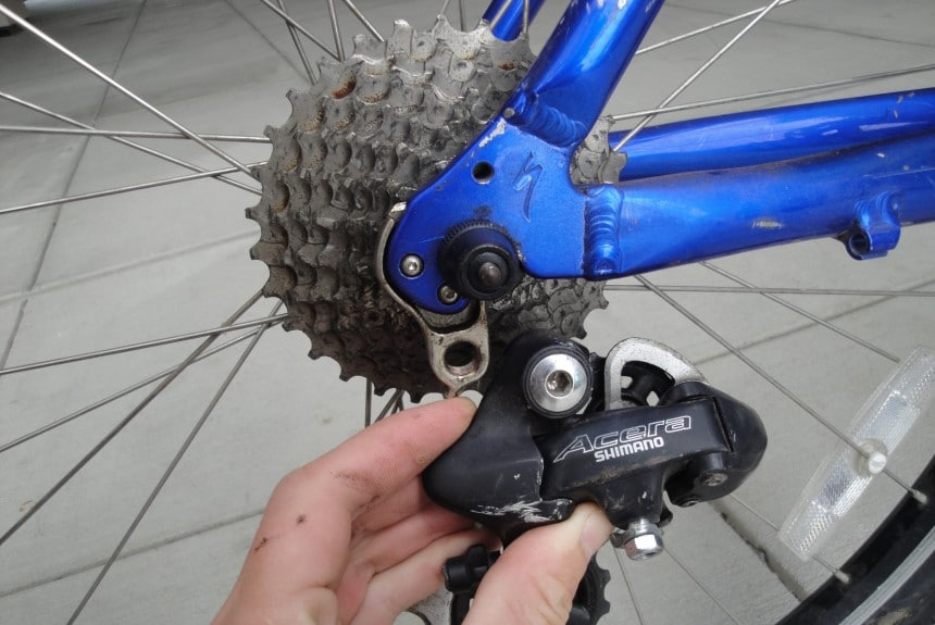 How to Install a Rear Derailleur and Remove the Old One
